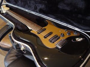Black fender stratocaster guitarwacky.com