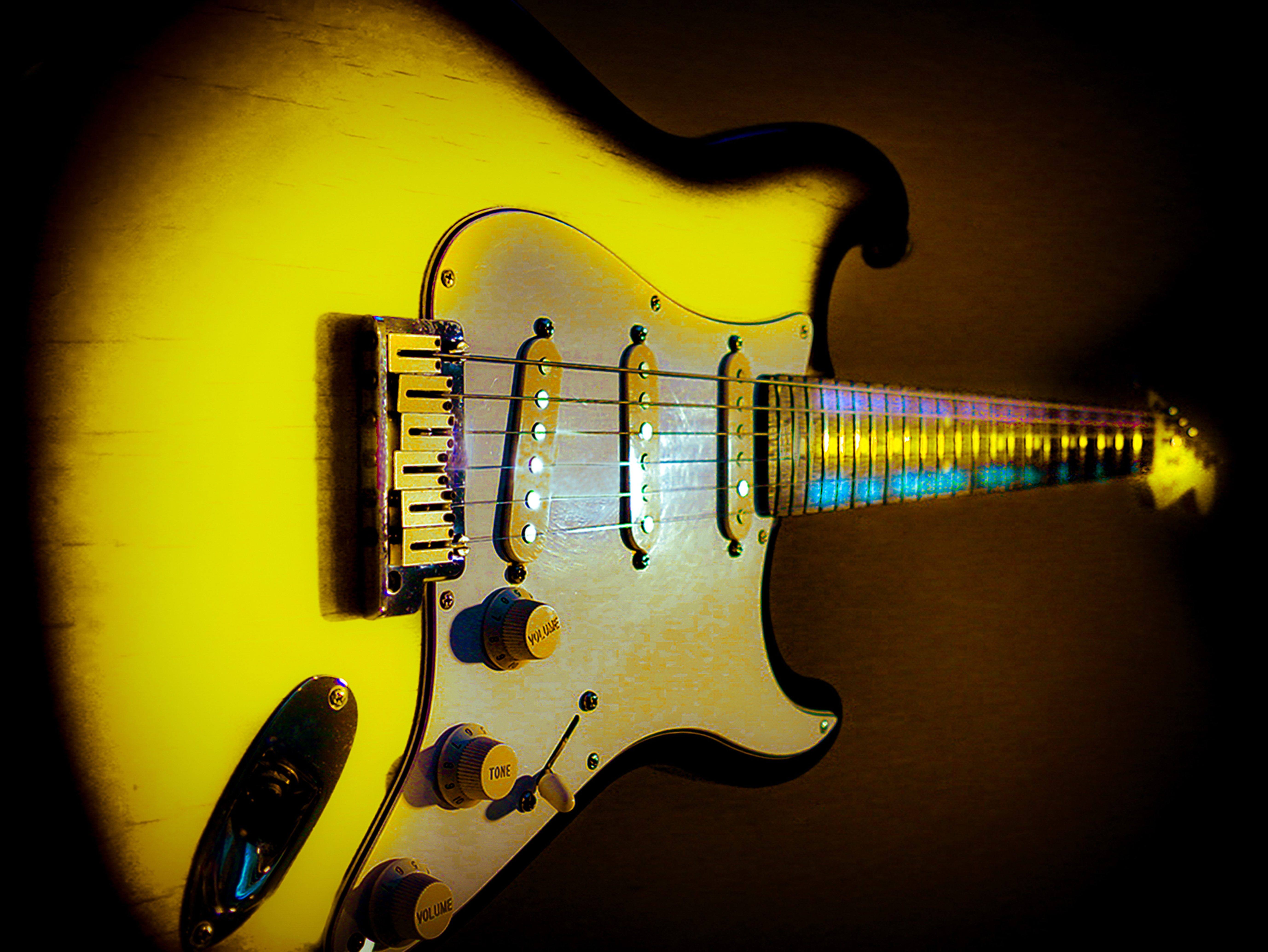 Fender Stratocaster Yellow Guitarwacky.com