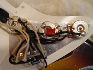 1999 Early Fender Stratocaster Strat Relic Pick Guard Wiring Electronics Guitarwacky.com
