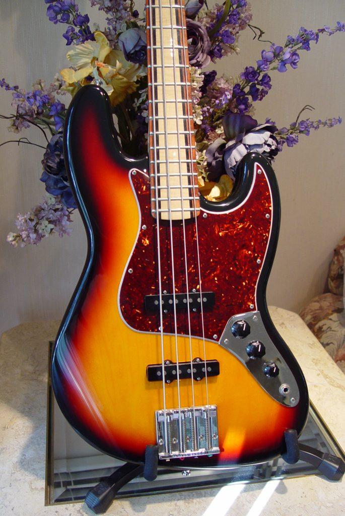 Fender Jazz Bass Guitarwacky.com