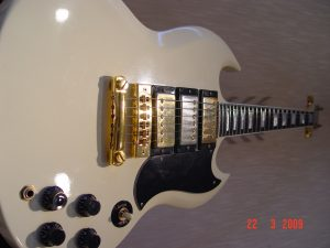 Gibson SG Custom Guitar 3 Pickup
