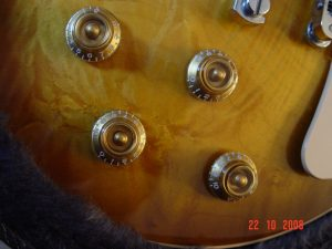 Gibson Les Paul Plus Guitar Controls Guitarwacky.com