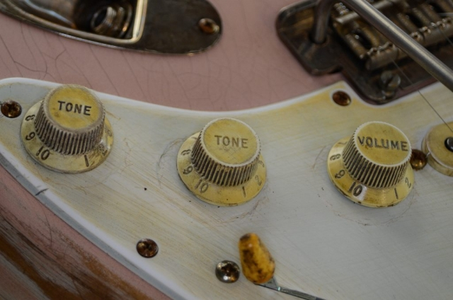 Fender Stratocaster Custom Relic Knobs Guitar Shell Pink Guitarwacky.com