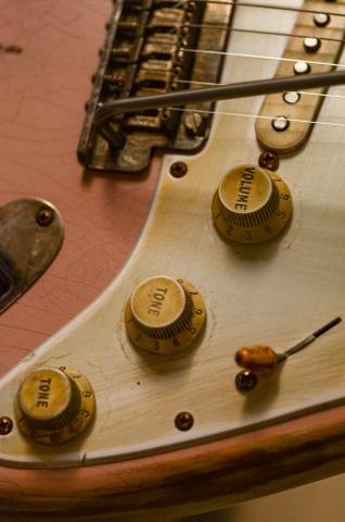 Fender Stratocaster Custom Relic Guitar Knobs Shell Pink Guitarwacky.com