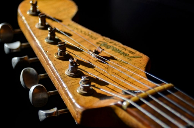 Fender Stratocaster Aged Head stock Ping Tuners