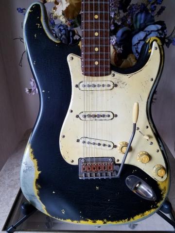 Fender Stratocaster Heavy Relic Black on Inca Guitarwacky.com