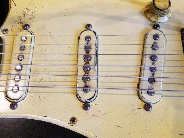Fender Stratocaster Heavy Relic Black Pickguard Guitarwacky.com