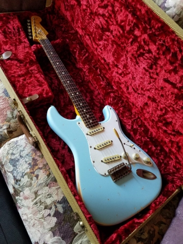 Fender Stratocaster Relic Fender Poodle Cut Case Guitarwacky.com