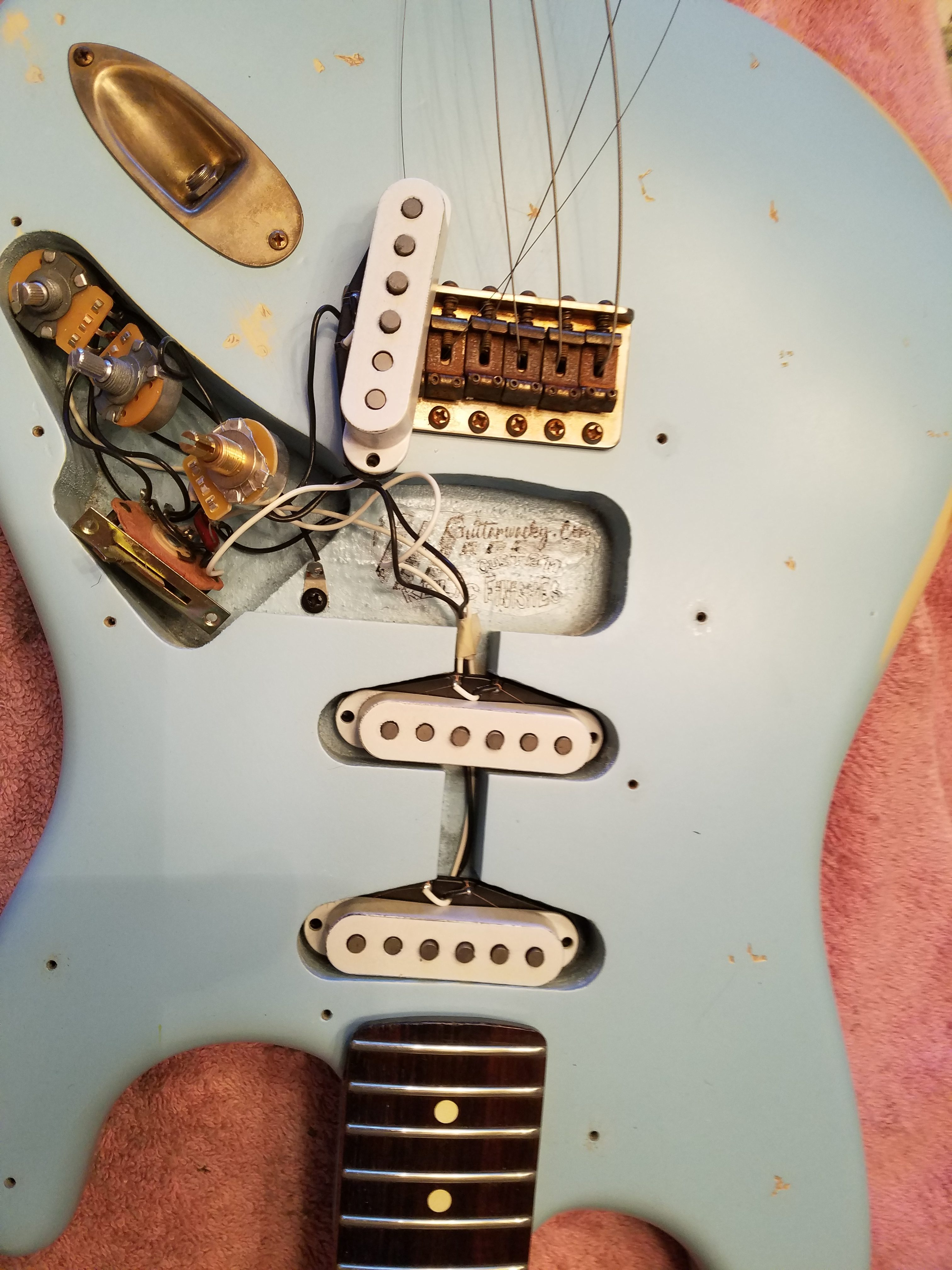 Fender Stratocaster Relic Daphne Blue Electronics Rosewood Neck Frets Pickguard Guitarwacky.com