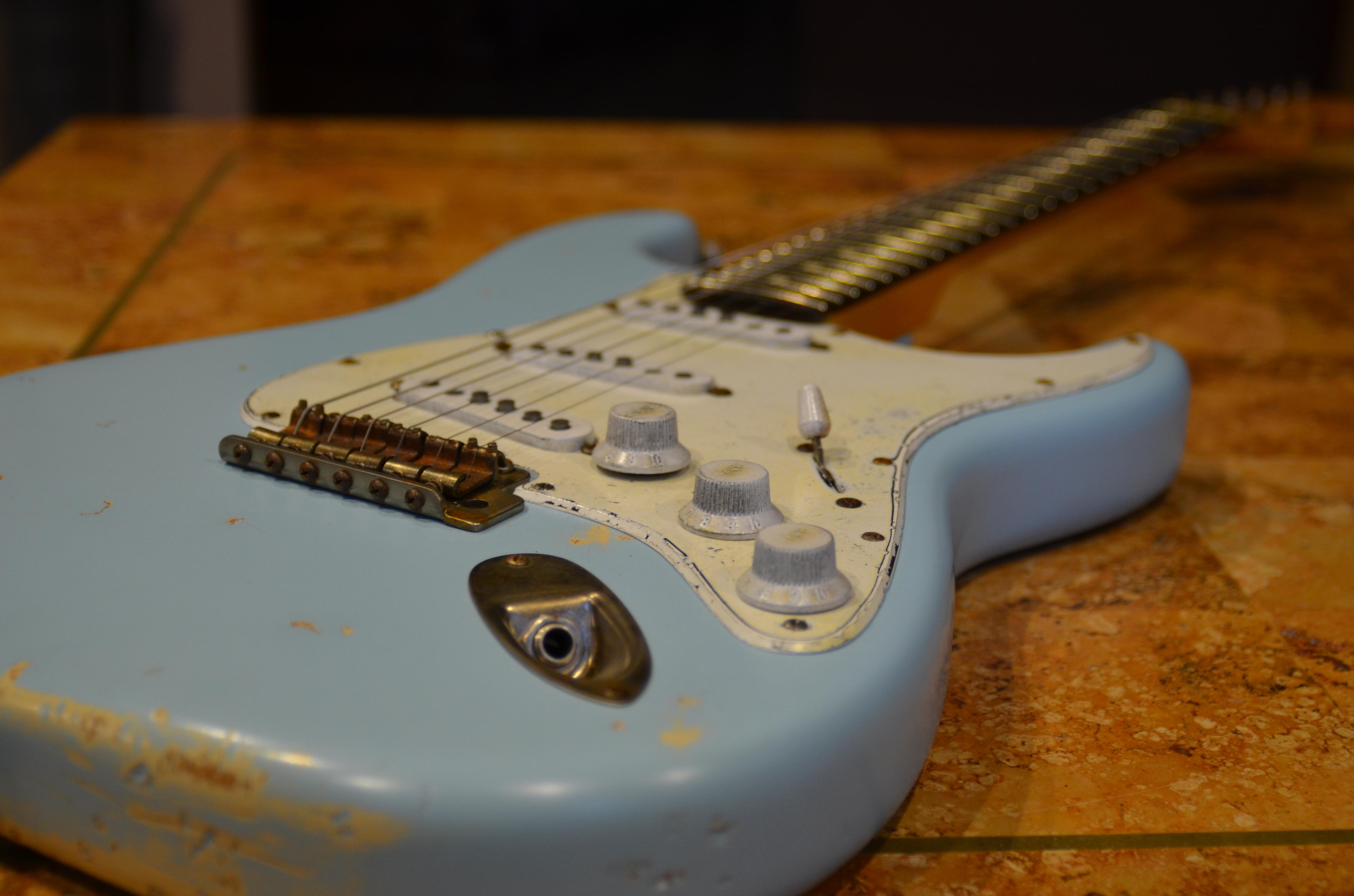 Fender Stratocaster Relic Daphne Blue Guitarwacky.com