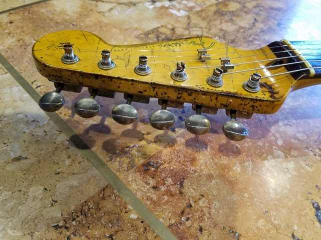Fender Stratocaster Heavy Relic Vintage Ping Tuners Headstock Guitarwacky.com