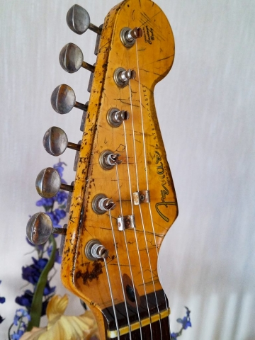 Fender Stratocaster Heavy Relic Vintage Tuners Headstock Guitarwacky.com
