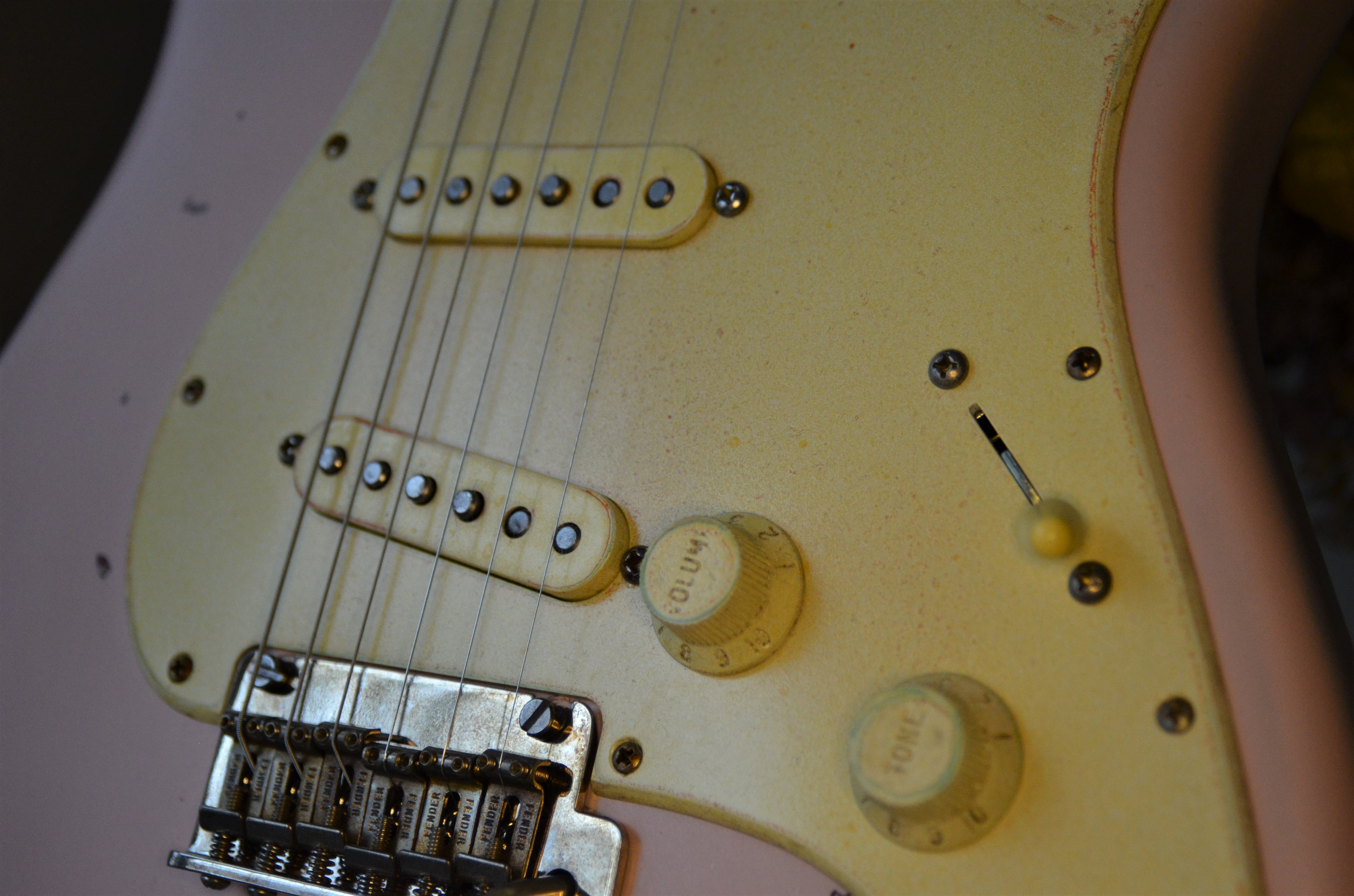 Fender Stratocaster Shell Pink Relic Pickups Knobs Guitarwacky.com