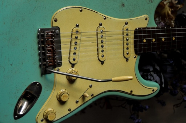 Fender Stratocaster Heavy Relic Surf Green Knobs Pickguard Guitarwacky.com