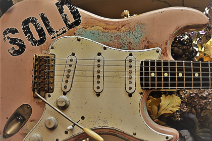 Fender Stratocaster Relic Shell Pink Guitarwacky.com