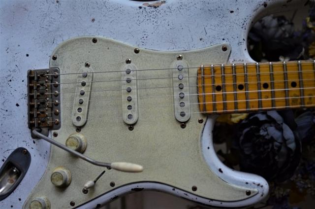 Fender Stratocaster White Relic Pickguard Aged Guitarwacky.com