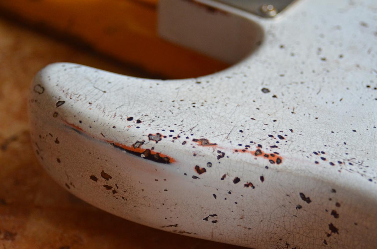 Custom Shop Fender Stratocaster Relic Aged White over Coral Guitarwacky.com