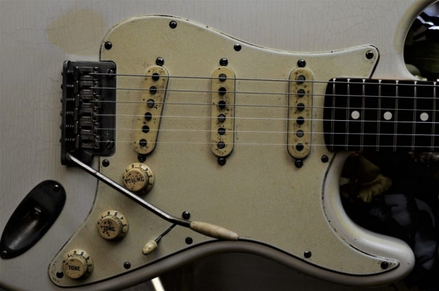 Fender Stratocaster Relic White