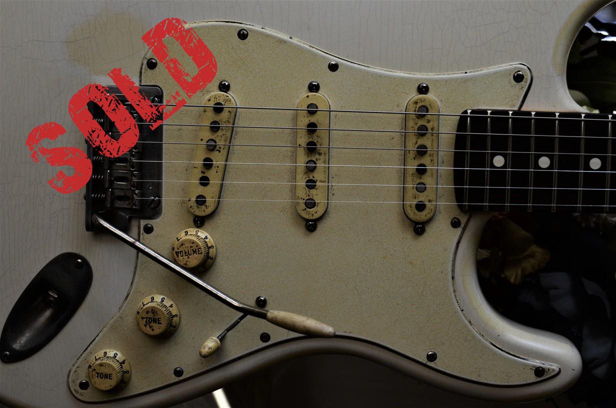 Fender Delux Relic Guitarwacky.com