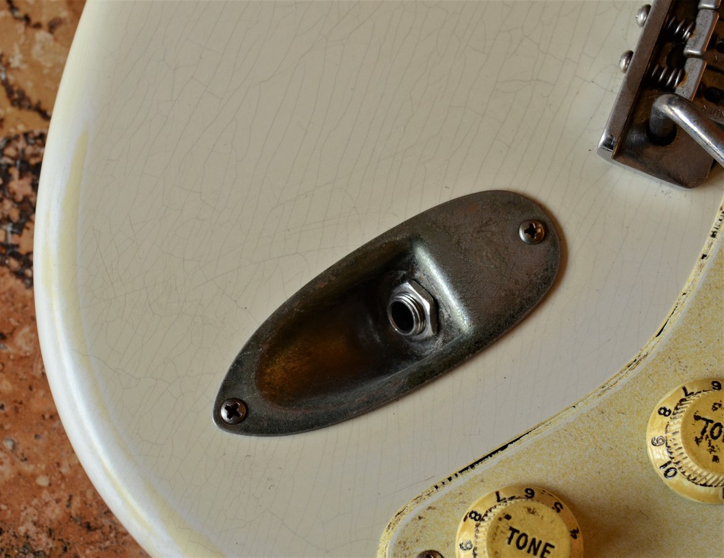 Finish Checking Fender Stratocaster Aged Knobs Relic White Guitarwacky.com