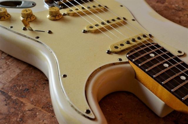 Fender Stratocaster Aged Relic Pickguard White Guitarwacky.com