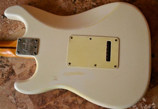 Fender Stratocaster Aged Back Plate Relic White Guitarwacky.com