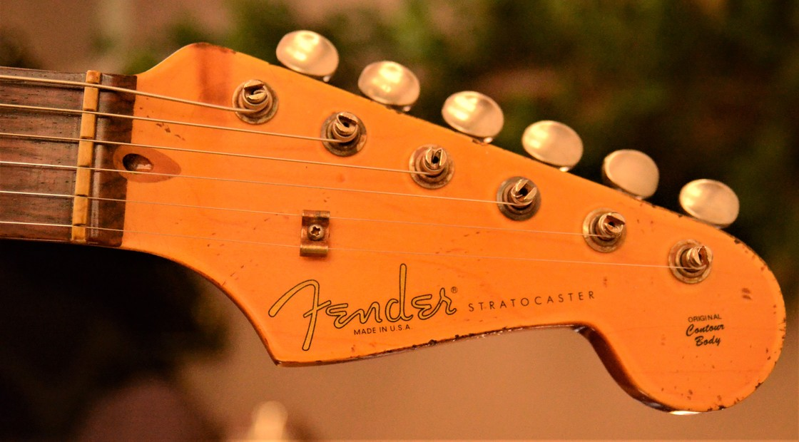 Fender Stratocaster Aged Headstock Relic White Guitarwacky.com