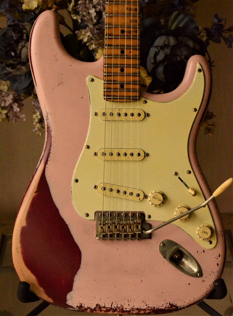 Fender Stratocaster Heavy Relic Shell Pink Guitarwacky.com