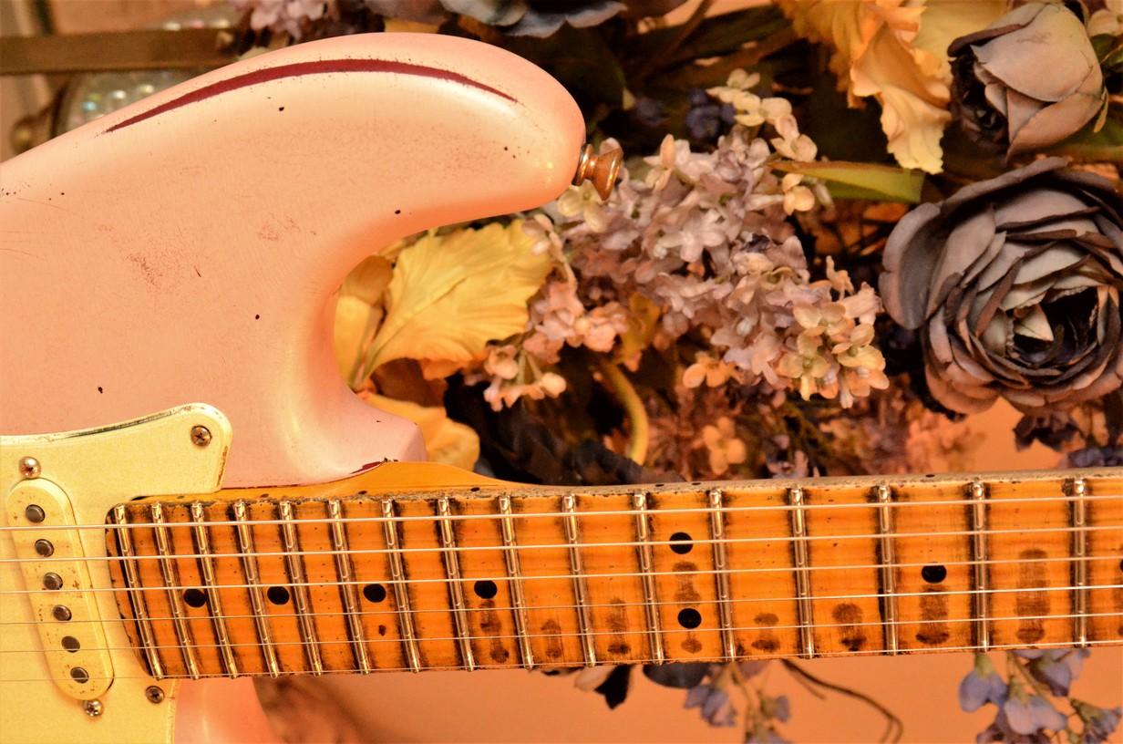 Fender Stratocaster Heavy Relic Shell Pink Neck Guitarwacky.com