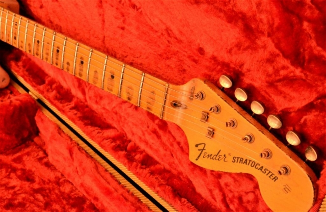 Fender Stratocaster Heavy Relic Maple Neck Guitarwacky.com