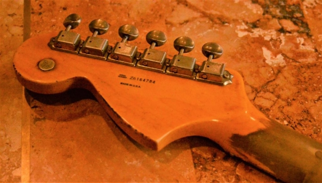 Fender Stratocaster Heavy Relic Headstock Vintage Tuners Guitarwacky.com