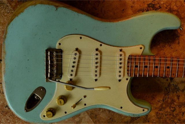 Fender Stratocaster Relic Surf Green Maple Neck Guitarwacky.com