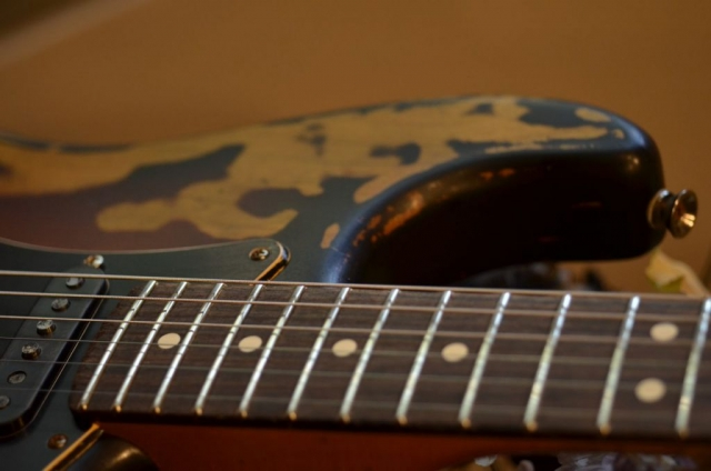 Fender Stratocaster Relic Sunburst Horn Guitarwacky.com
