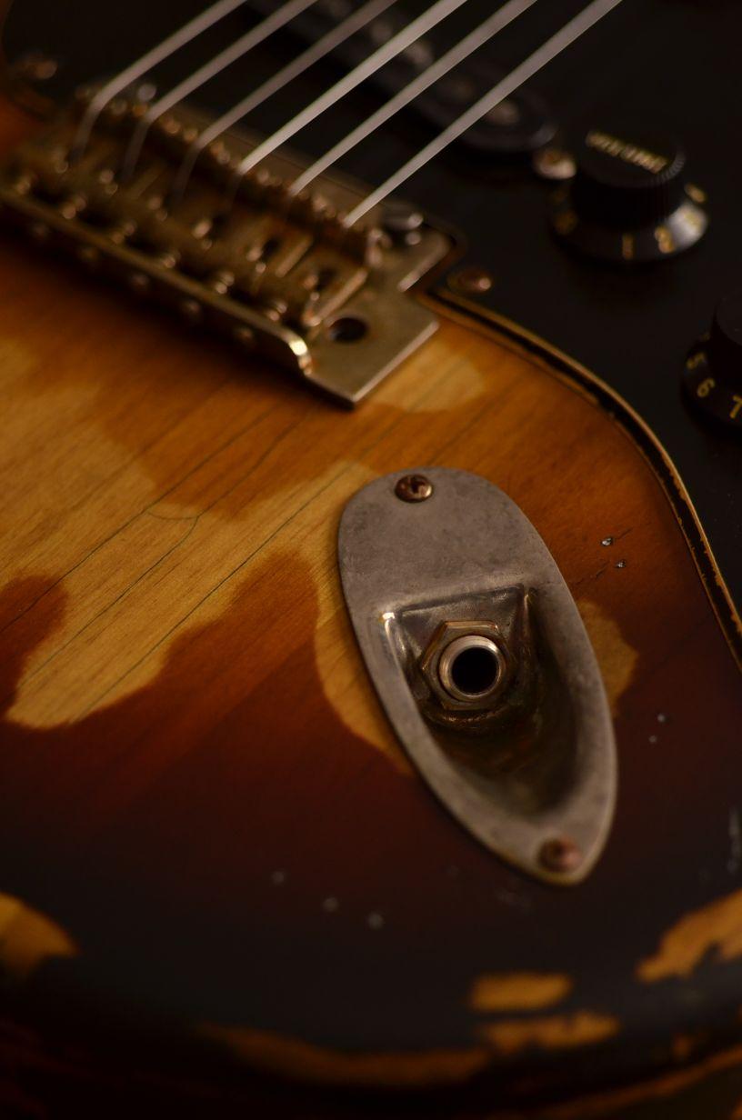 Fender Stratocaster Relic Sunburst Jack Plug Guitarwacky.com