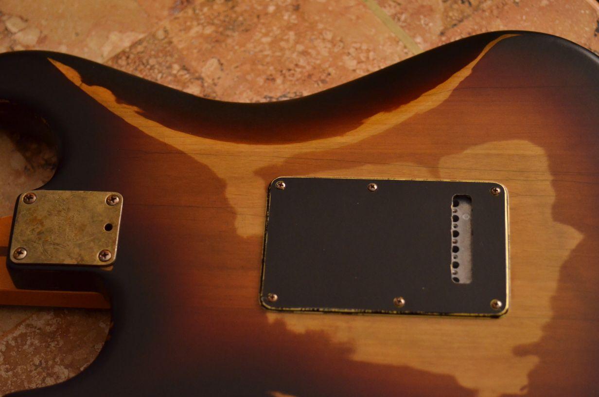 Fender Stratocaster Relic Sunburst Rear Guitarwacky.com