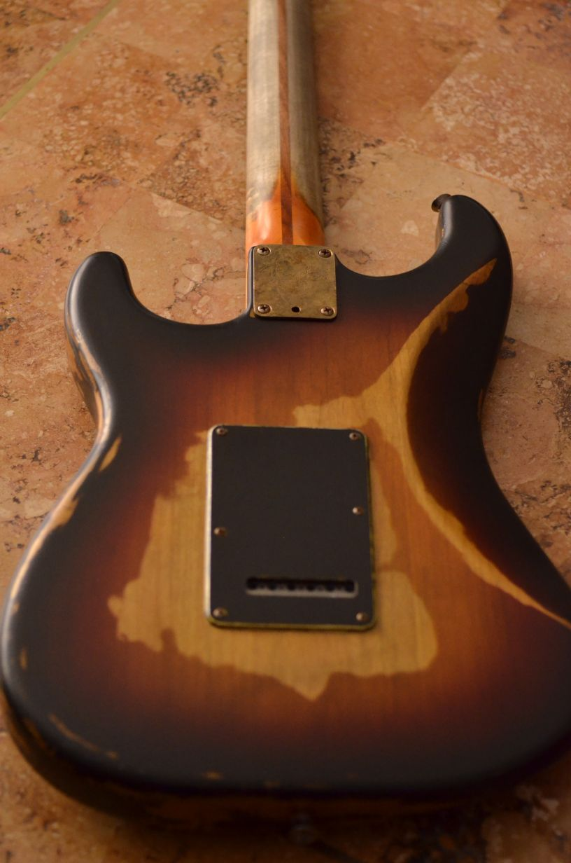 Fender Stratocaster Relic Sunburst Back Guitarwacky.com