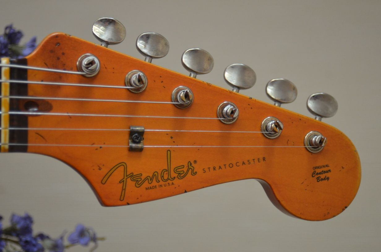 Fender Stratocaster Relic Rosewood Headstock Ping Tuners Guitarwacky.com
