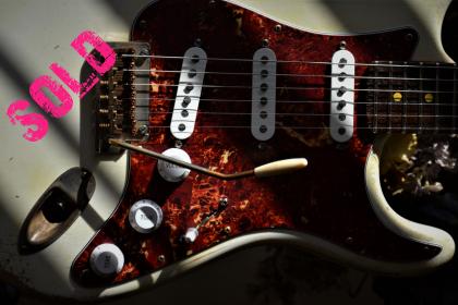 Fender Stratocaster Relic White Guitarwacky.com