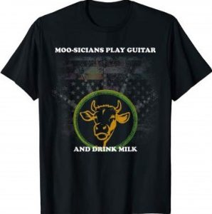 Vintage Guitar Player Musician Cow American Flag T-Shirt