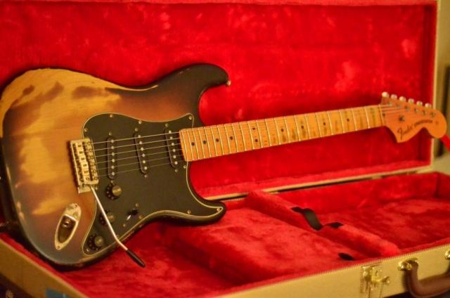 Fender Stratocaster Heavy Relic Sunburst  Maple Neck