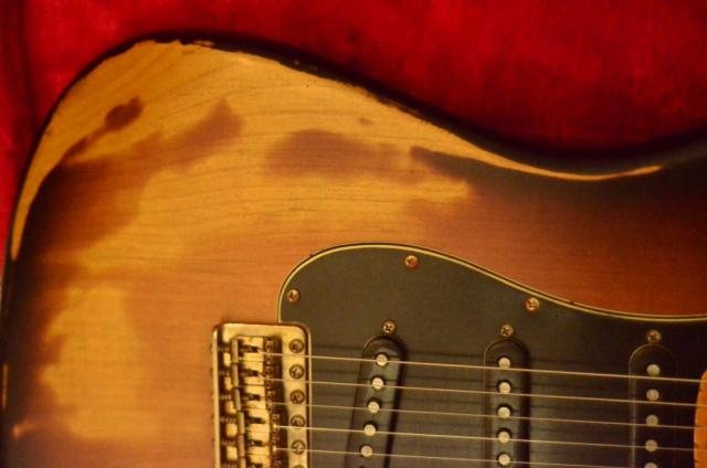 Fender Stratocaster Relic Sunburst Pickguard