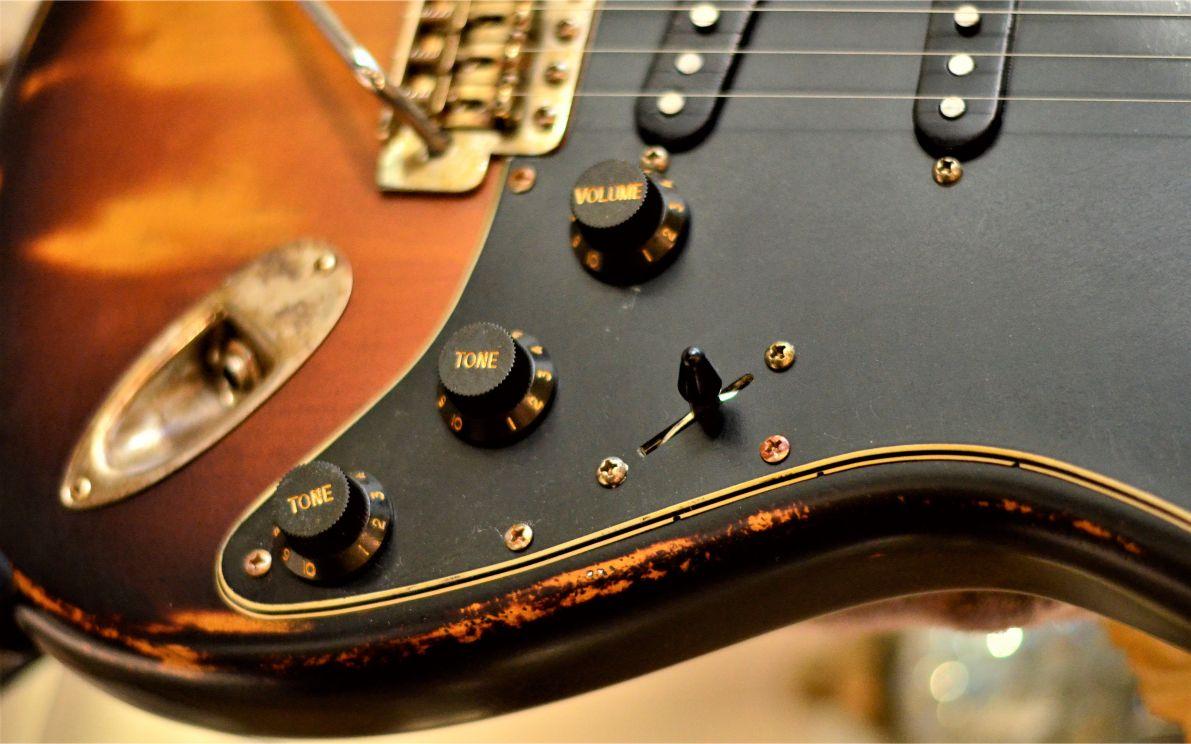 Burst Fender Stratocaster Knobs