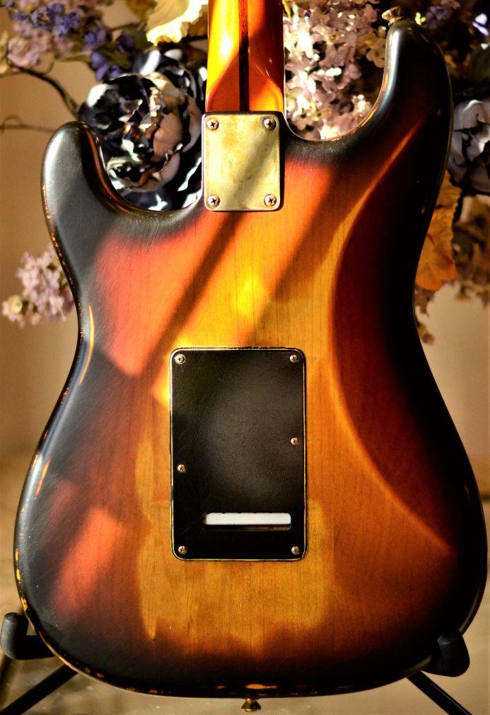 Fender Stratocaster Relic Back Wear Pattern