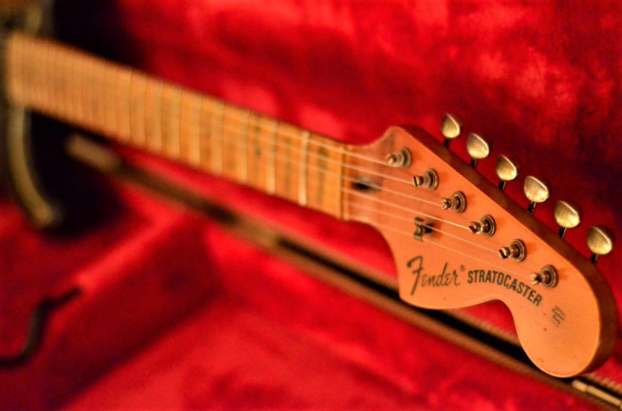 Fender Stratocaster Relic Maple Neck 70s Big Peghead
