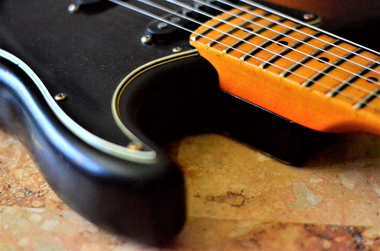 Fender Jumbo Frets Stratocaster Relic Maple Neck