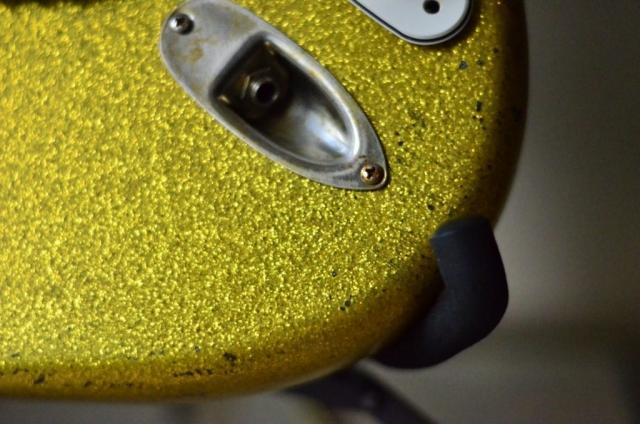 Stratocaster Relic Gold Sparkle jack