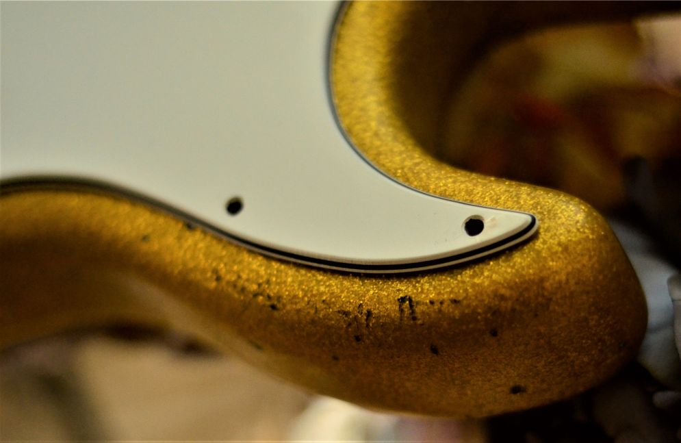 Fender Stratocaster Relic Gold Sparkle Flake