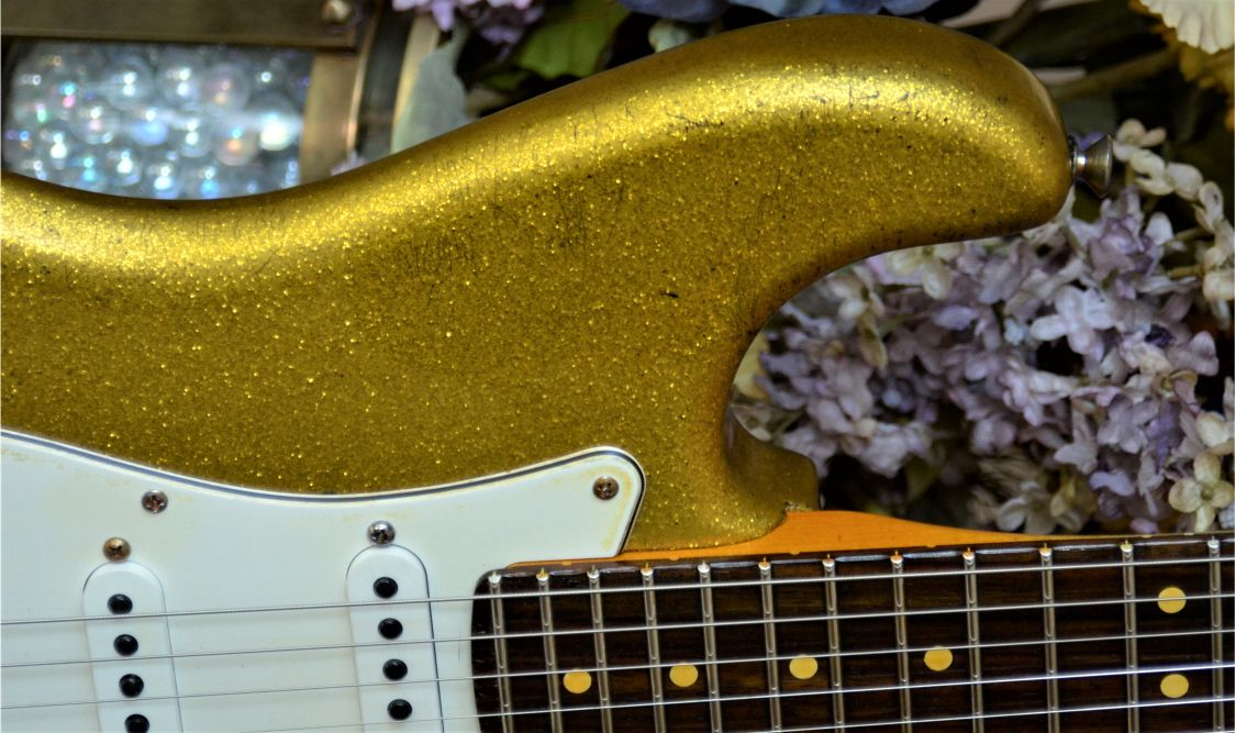 Fender Relic Gold Sparkle Flake guitar