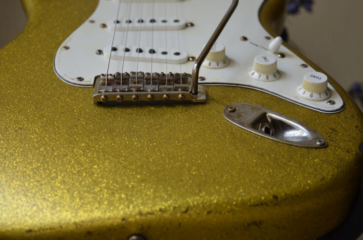 relic Fender Stratocaster Sparkle Flake