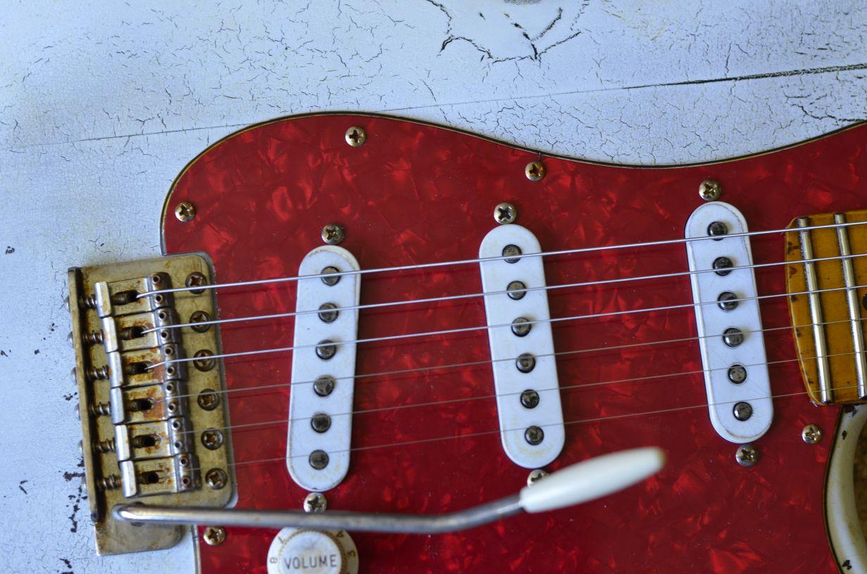 Fender White Stratocaster Custom Aged Relic